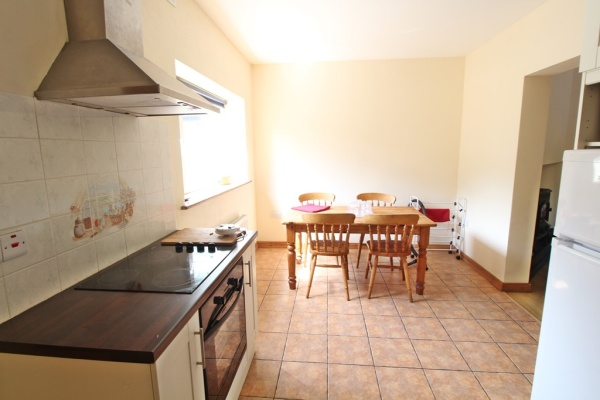 End House, Reenascreena Cross, Clonakilty, 2 Bedrooms Bedrooms, ,2 BathroomsBathrooms,House,For Rent,End House, Reenascreena Cross,1238